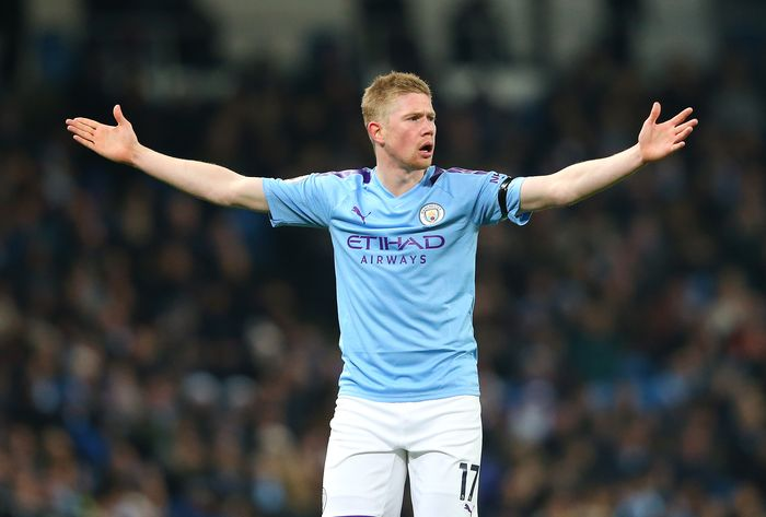 MANCHESTER, ENGLAND - DECEMBER 29:  Kevin De Bruyne of Manchester City reacts during the Premier League match between Manchester City and Sheffield United at Etihad Stadium on December 29, 2019 in Manchester, United Kingdom. (Photo by Alex Livesey/Getty Images)