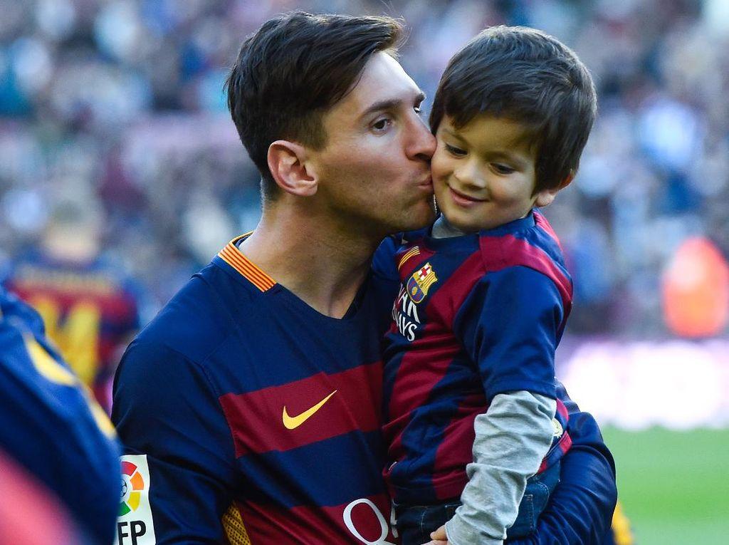 Satu Orang yang Paling Berani Kritik Messi