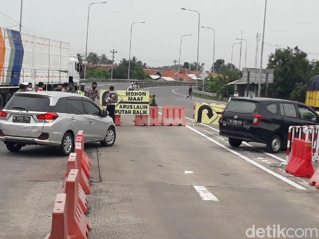 Halau Pemudik, Petugas Rekayasa Lalu Lintas Exit Tol Pejagan