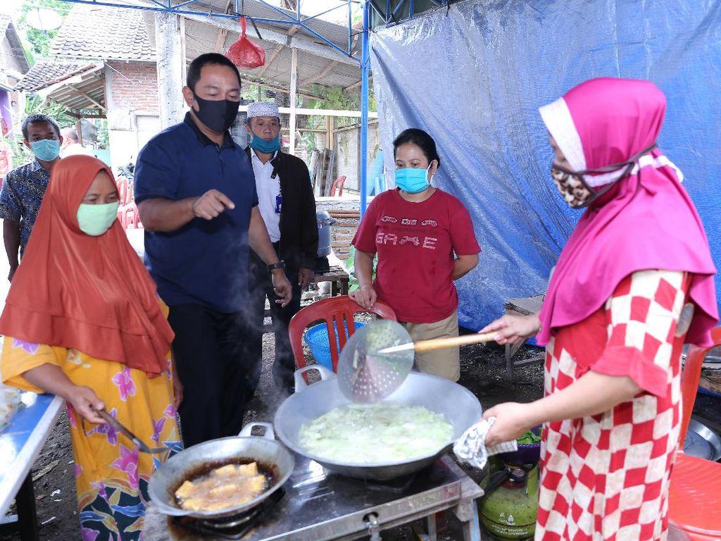 Wali Kota Semarang Tinjau Dapur Umum di Hari Kedua PKM