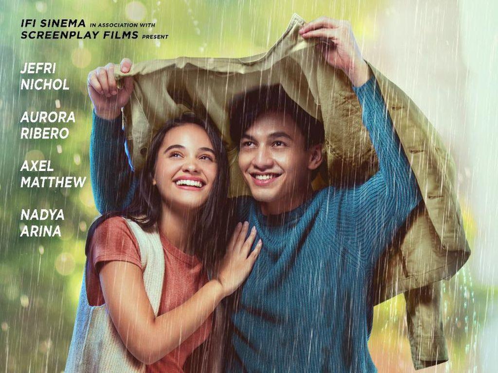 Jefri Nichol-Aurora Ribero di Poster Seperti Hujan yang Jatuh ke Bumi