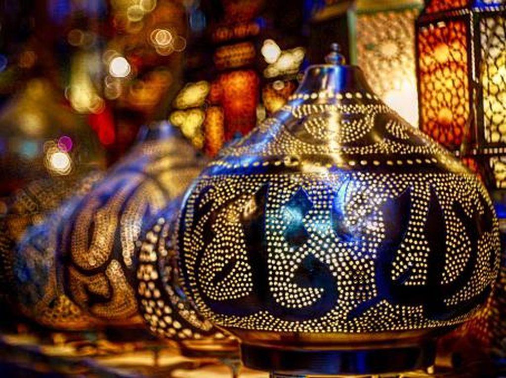 Cerita di Balik Tradisi Lentera Ramadhan di Mesir