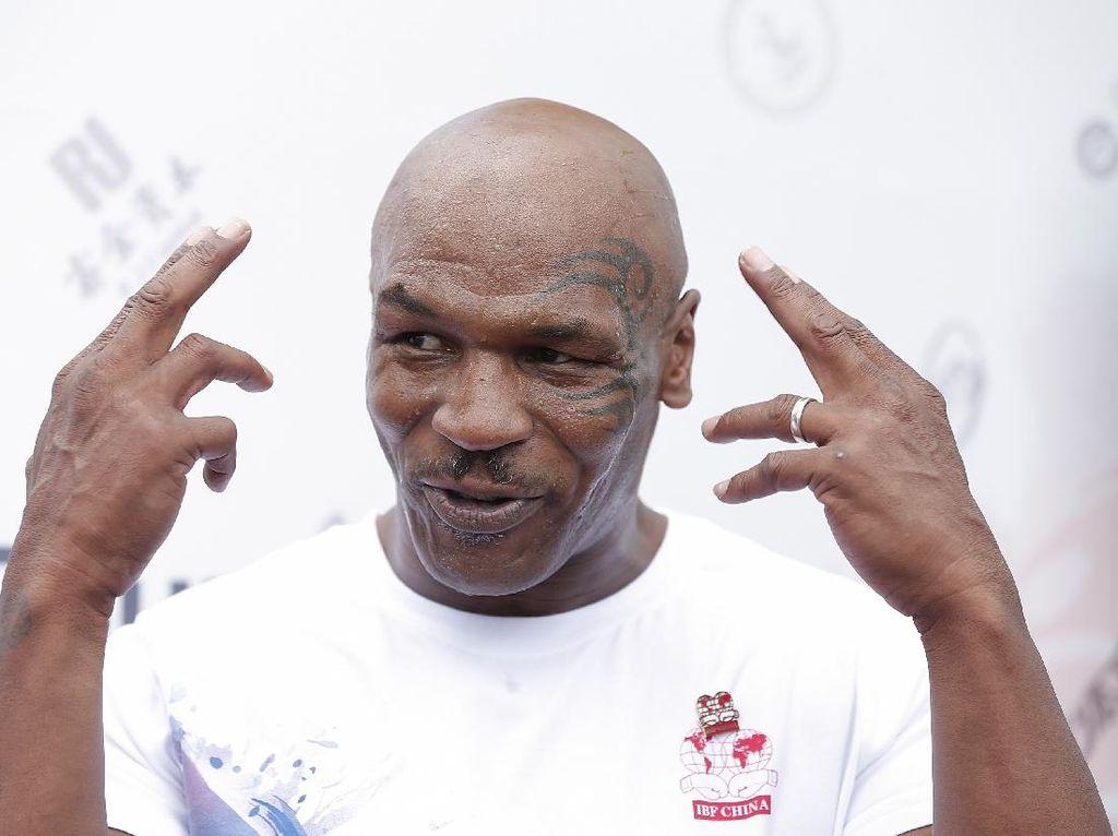 Ayah Tyson Fury Tantang Bertanding Mike Tyson