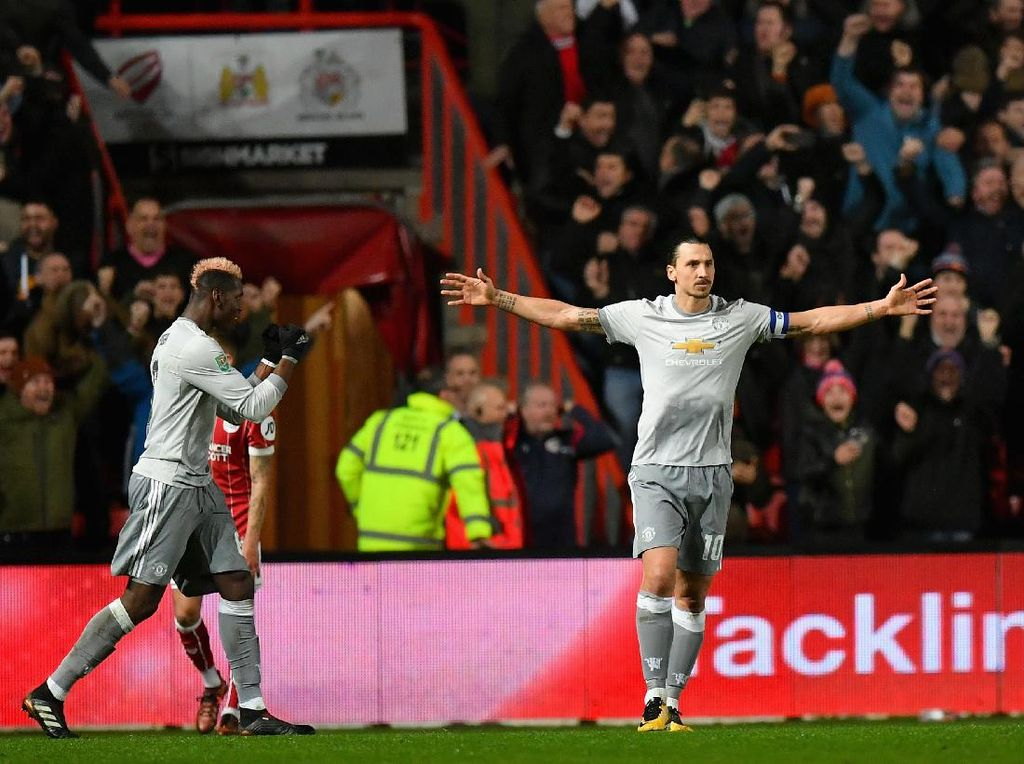 Jasa Ibrahimovic dan Pogba pada Luke Shaw