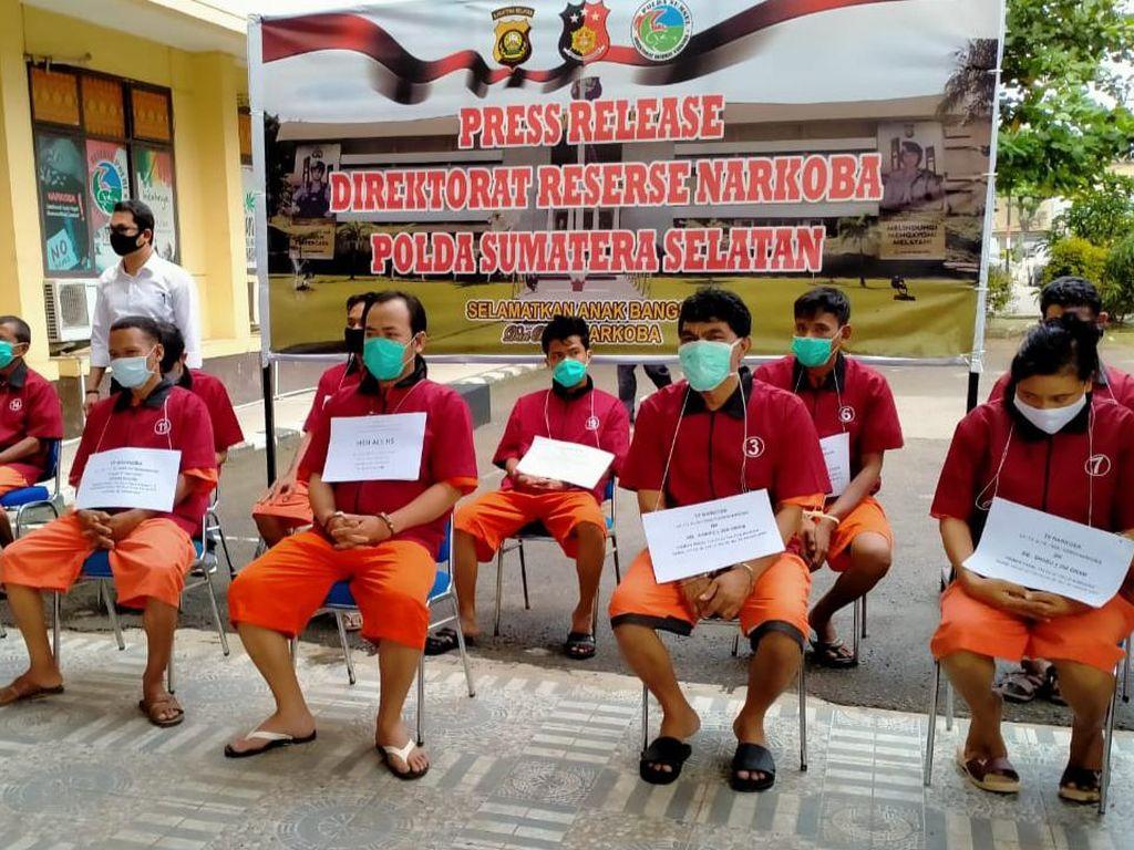 Polda Sumsel Tangkap 11 Bandar Narkoba, Ada yang Suami-Istri