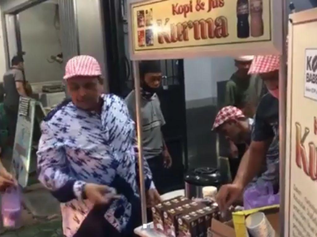 Ramadhan di Tengah Pandemi COVID-19, Ustaz Haikal Hassan Berbagi Takjil
