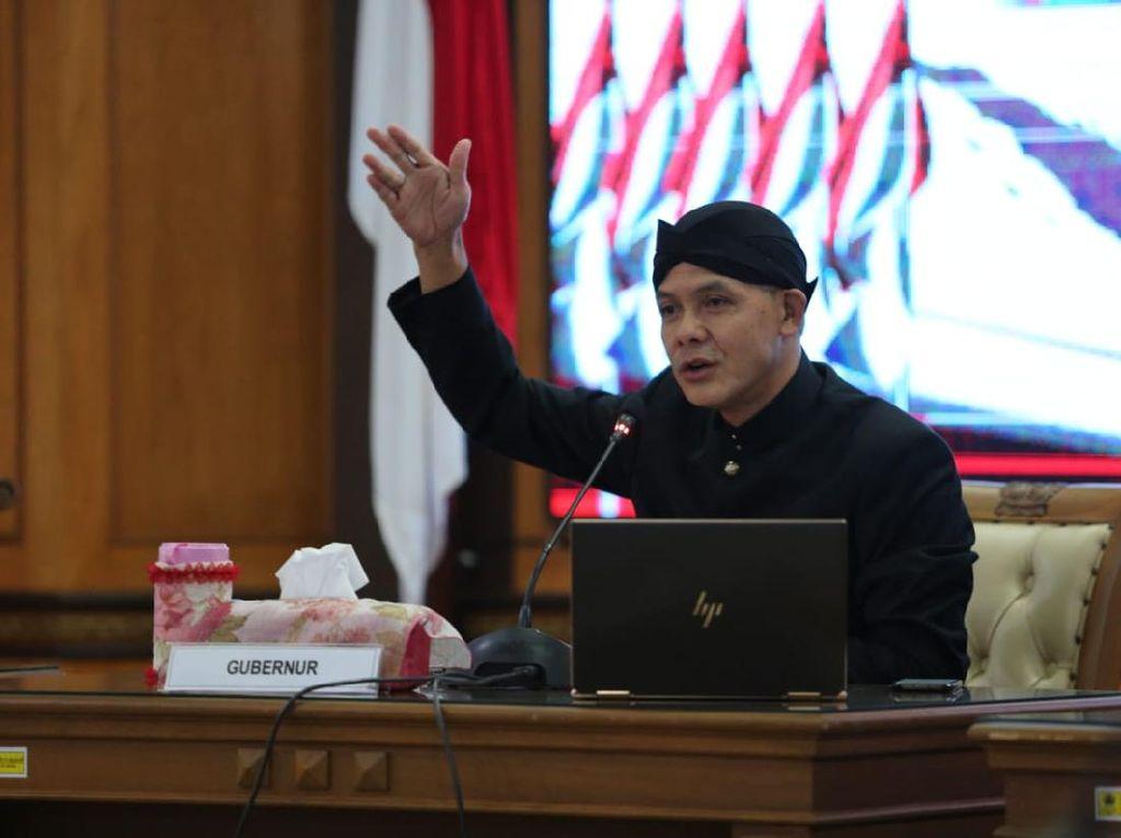Ganjar Izin Modifikasi Bansos Saat Ditelepon Jokowi: Kita Tak Bisa Bebani Pusat