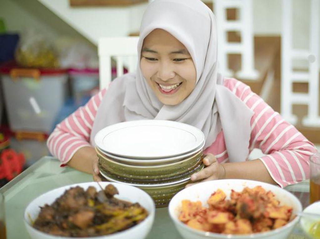 5 Cara Sehat Turunkan Berat Badan Selama Ramadhan