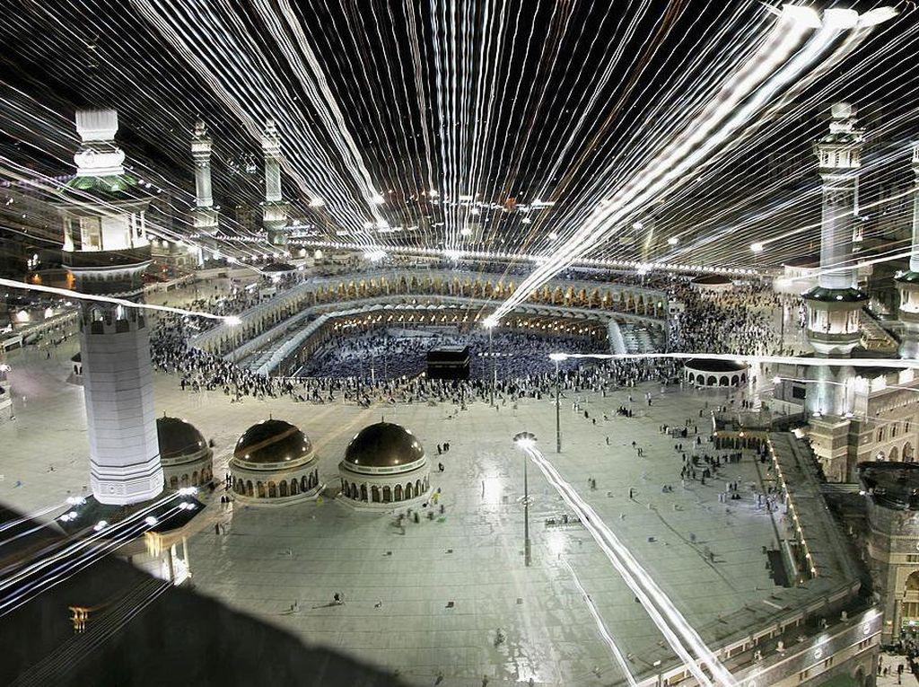 Pria Bawa Pisau dan Teriak Dukung Teroris Ditangkap di Masjidil Haram