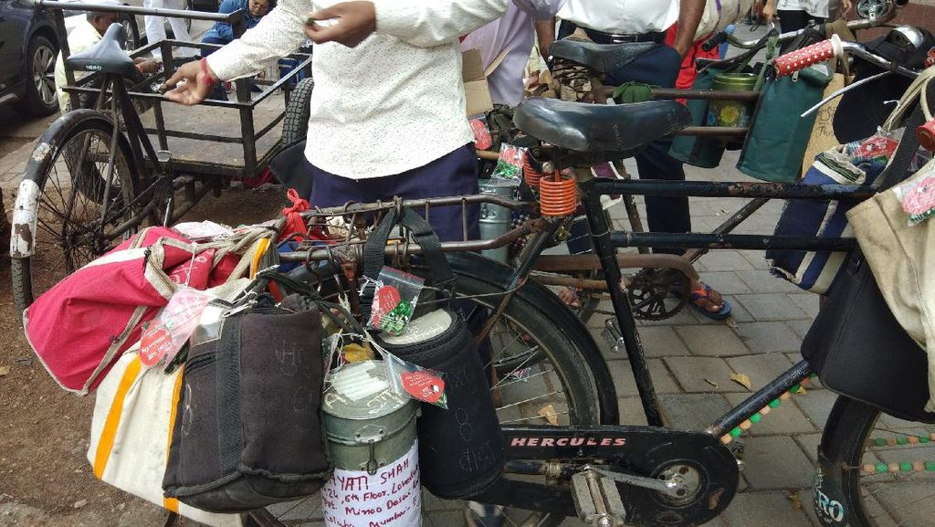 Foto: Jasa Pengantar Bekal yang Berusia Lebih 100 Tahun di Mumbai