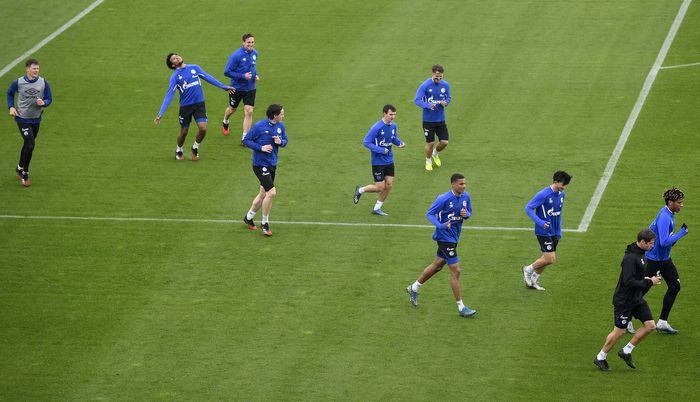 Liga Jerman diwacanakan akan kembali digelar 9 Mei mendatang. Sejumlah klub telah berlatih ringan, salah satunya adalah FC Schalke 04.