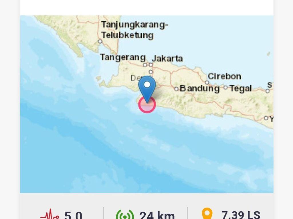 Gempa 5 M, Warga Sukabumi Lari ke Luar Rumah