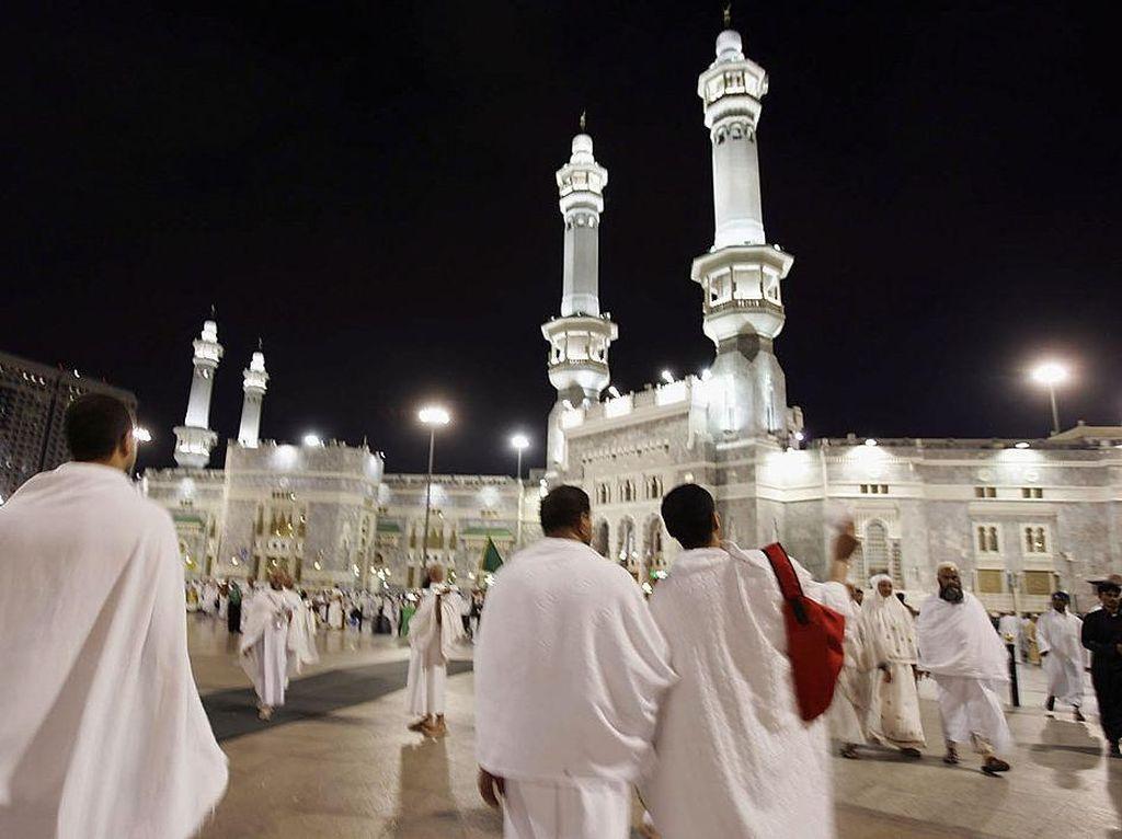 Doa Masuk Masjid dan Keluar Masjid Sesuai Hadist Sahih Lengkap Arab, Latin, dan Artinya