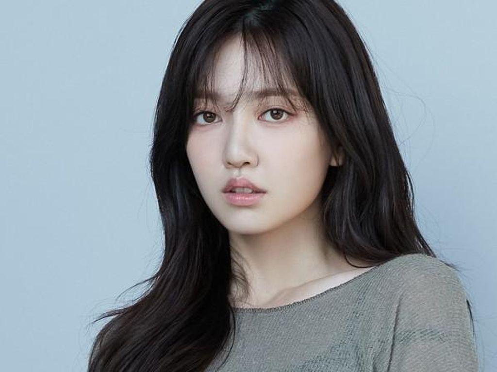 Sosok Kim Ji In yang Digosipkan Pacaran dengan Jaemin NCT