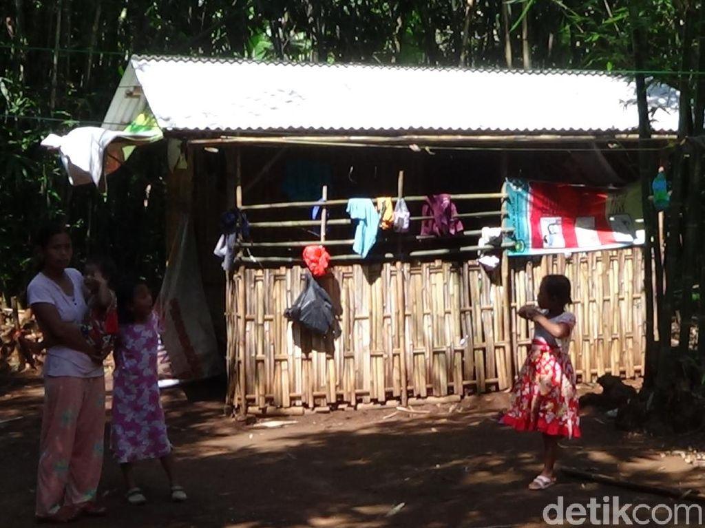 Keluarga Ini Tinggal di Gubuk Karena Tak Mampu Bayar Kos Terdampak Corona
