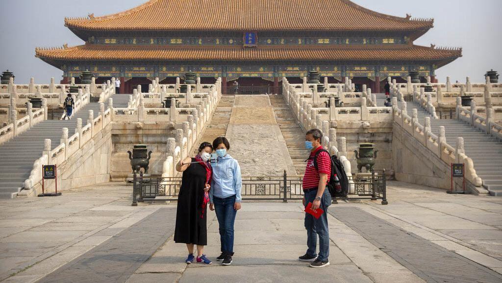 Dibuka Hari Ini, Forbidden City Langsung Ramai Pengunjung