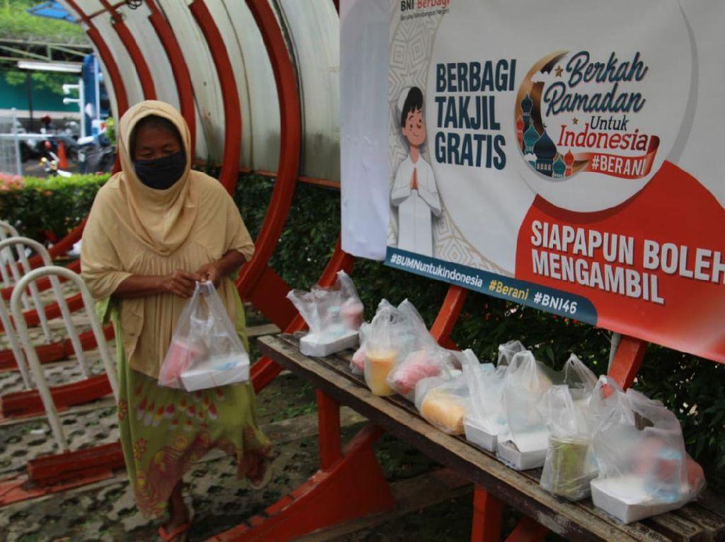 BNI Sebarkan 125.000 Paket Sembako ke Seluruh Indonesia