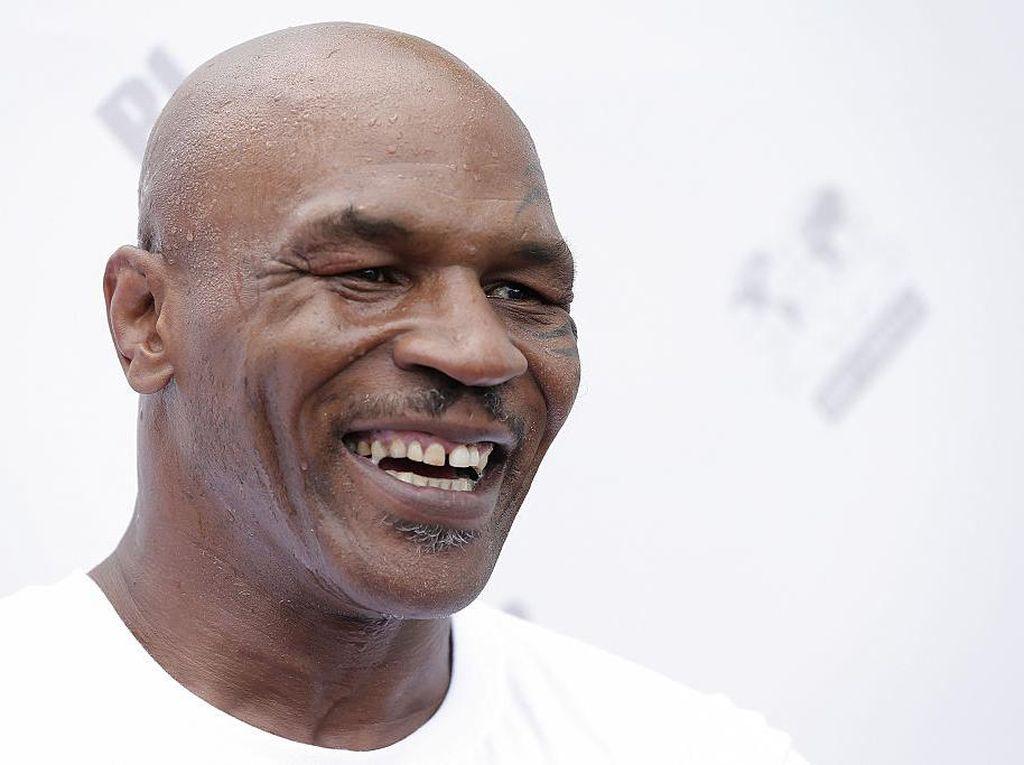 Mike Tyson Masih Tampak Bugar di Usia 54, Inikah Rahasianya?