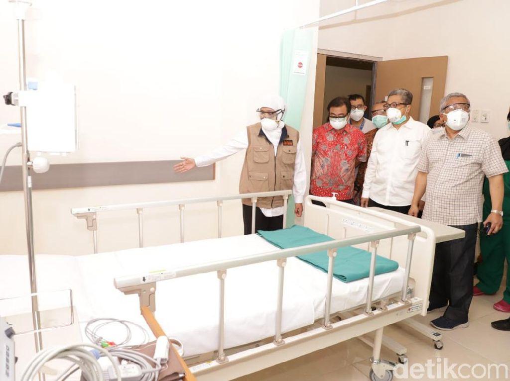 Gubernur Khofifah Tinjau Bed Tambahan di RSKI Unair Bantuan CT Corp