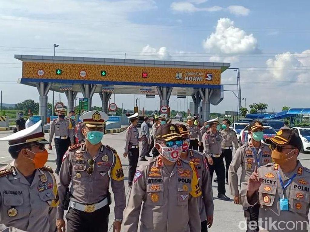 21 Ribu Mobil Pemudik Gagal Lintasi Jawa Sumatera Dalam Sepekan