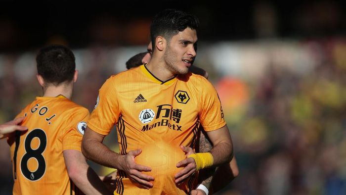 WOLVERHAMPTON, ENGLAND - FEBRUARY 23: Raul Jimenez of Wolverhampton Wanderers celebrates his goal during the Premier League match between Wolverhampton Wanderers and Norwich City at Molineux on February 23, 2020 in Wolverhampton, United Kingdom. (Photo by Marc Atkins/Getty Images)