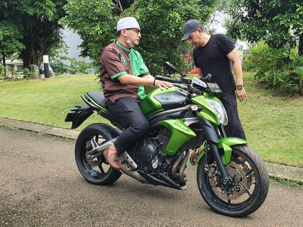 Ketika Moge Kawasaki Peninggalan Uje Diservis di Bengkel Yamaha