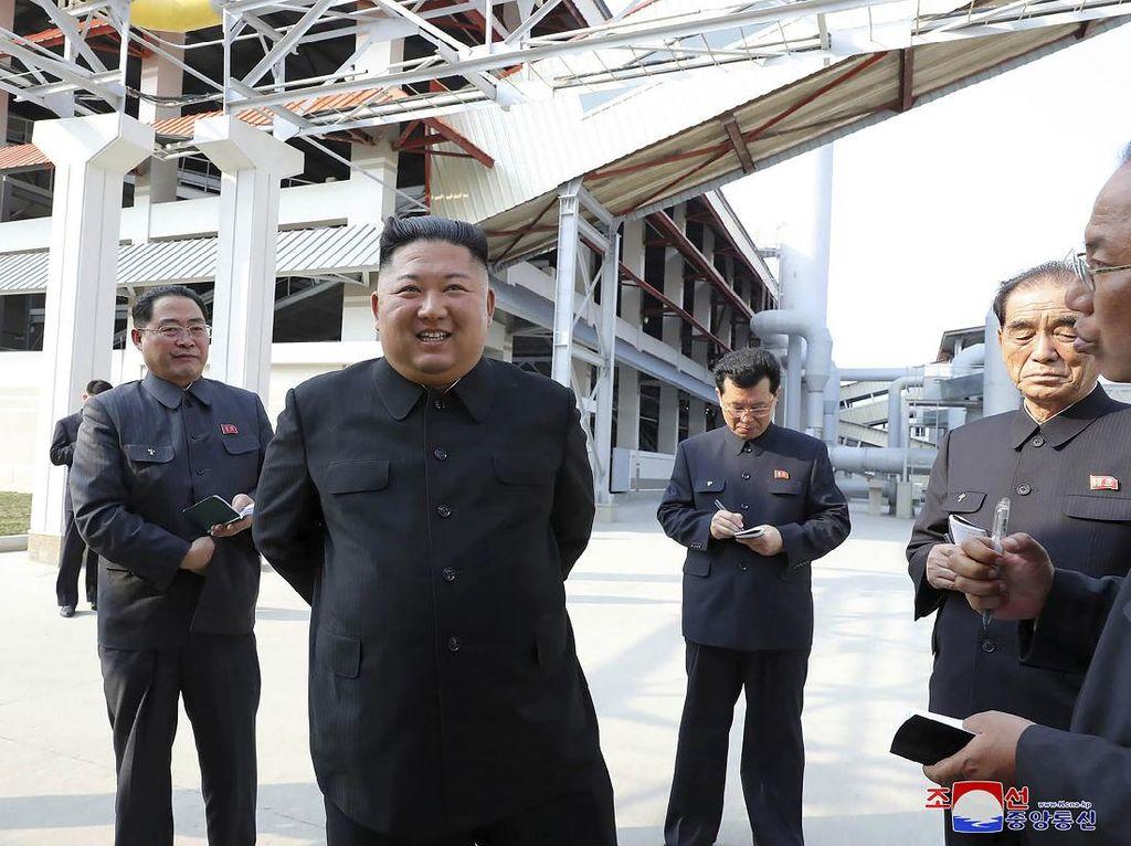 Sosok Berperawakan Mirip Kim Jong Un Munculkan Spekulasi Body Double