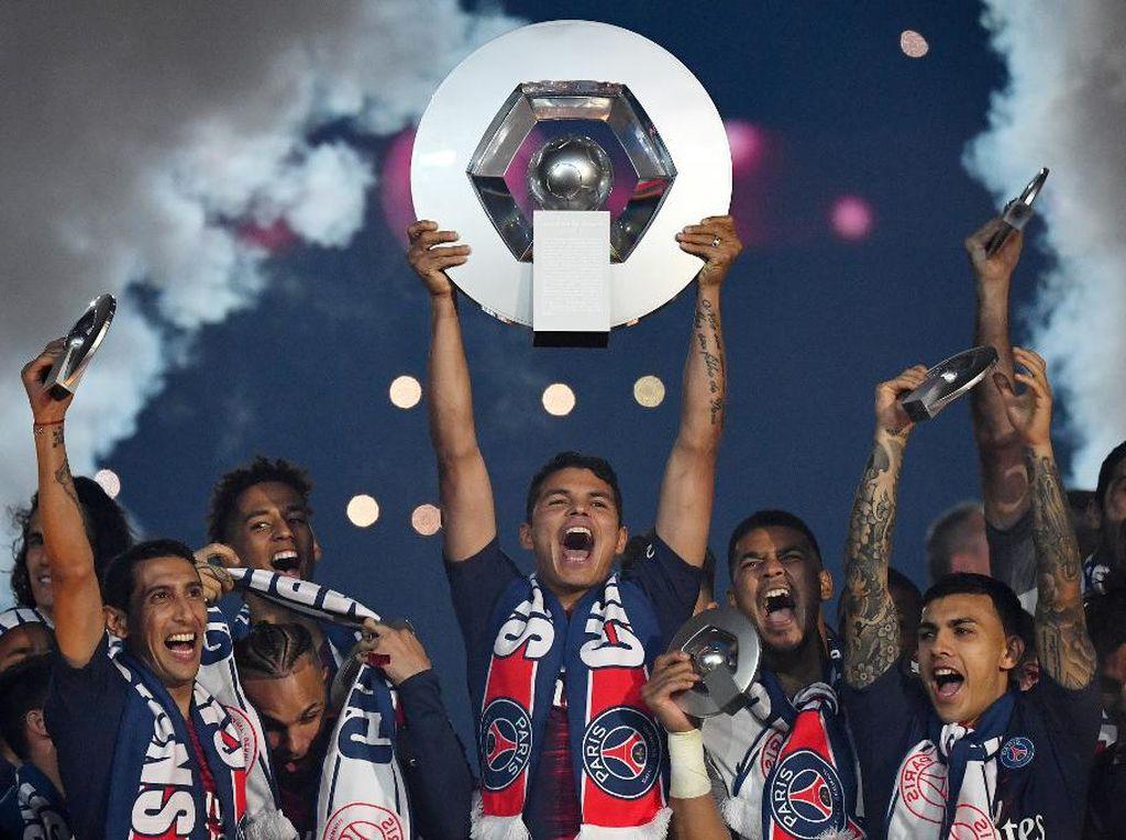 Gelar Juara Liga Teraneh dalam Karier Thiago Silva