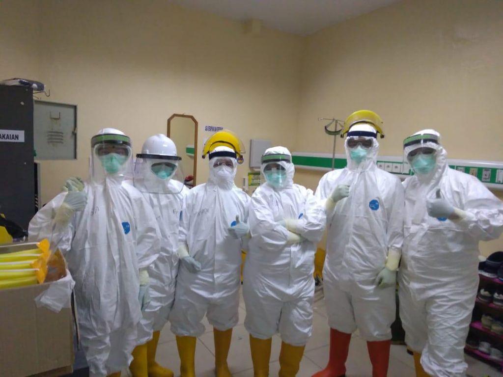 Kisah Relawan Perawat Jalani Puasa Sambil Rawat Pasien Corona