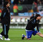 Maradona Dinilai Belum Seujung Kukunya Messi