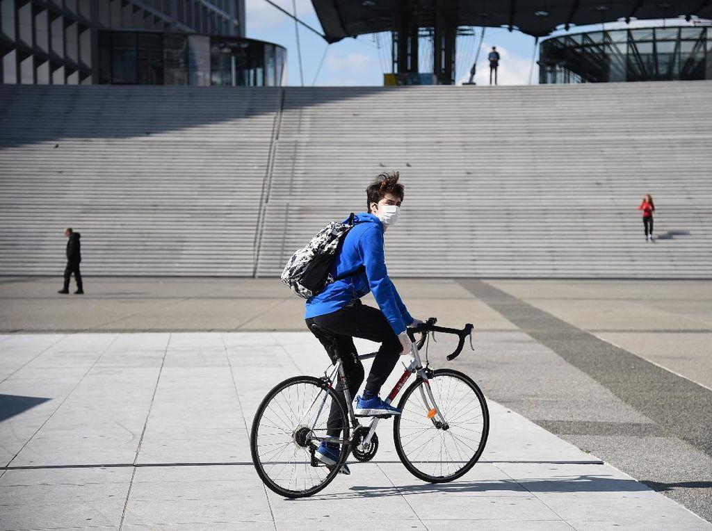 Pertahankan Udara Segar dan Alasan Jaga Jarak, Prancis Subsidi Warga Bersepeda
