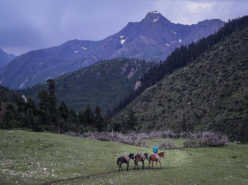 Tibet Perlahan Buka Tempat Wisata
