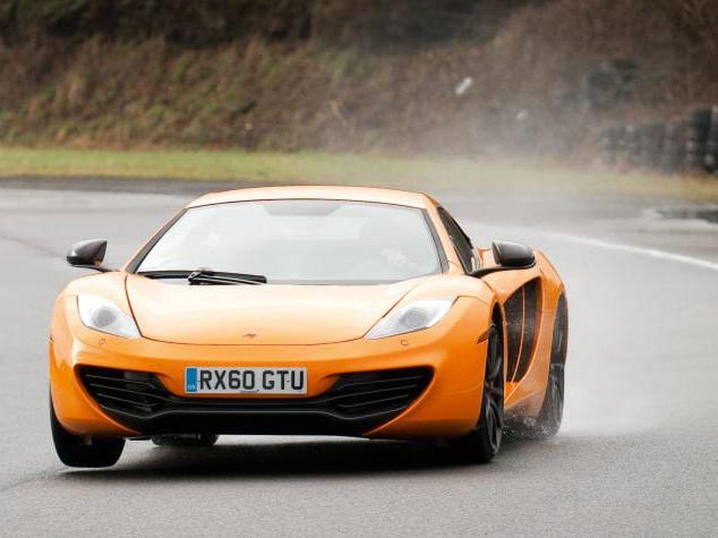 Ribuan McLaren Tangkinya Karatan, Terpaksa Ditarik