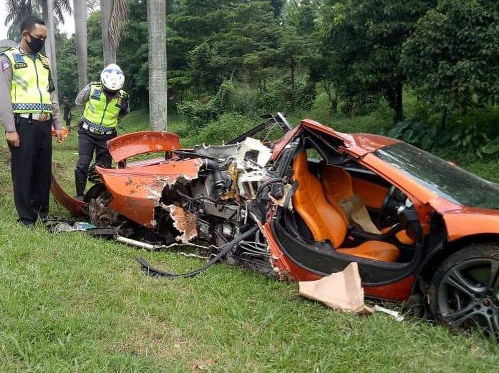 Siapa Pemilik Supercar McLaren yang Ringsek di Tol Jagorawi?