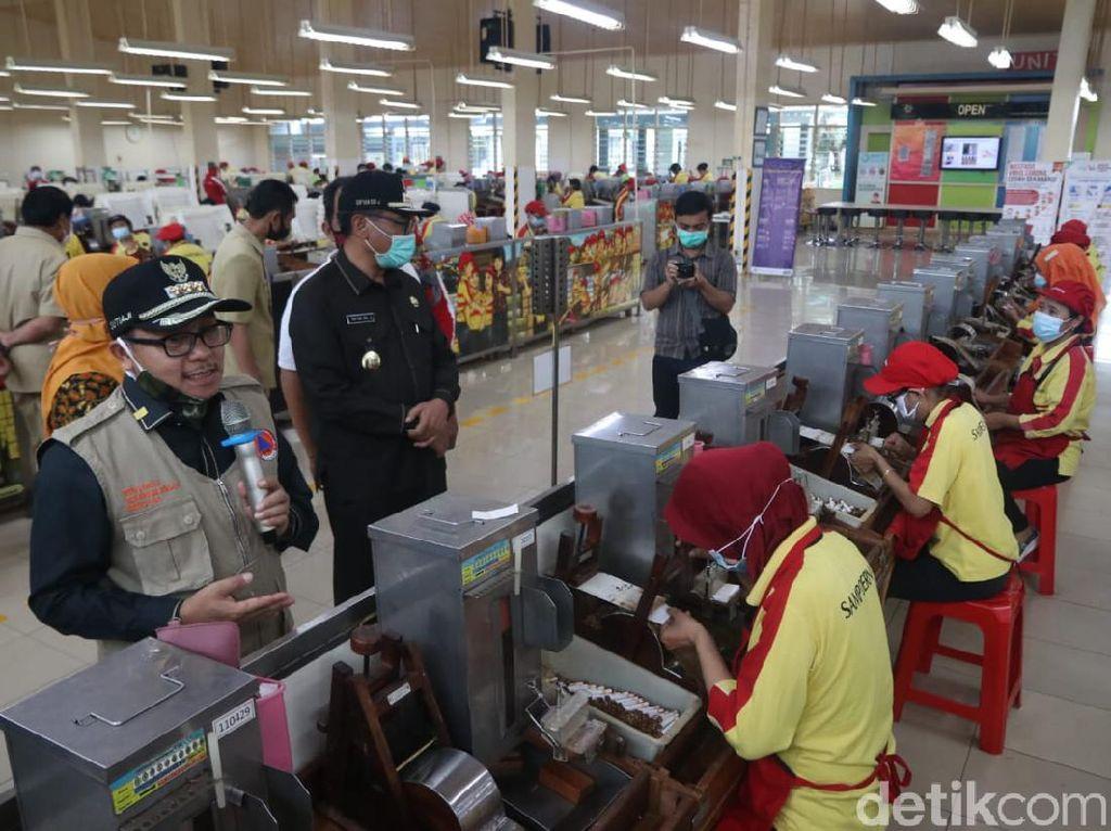 Datangi Pabrik Rokok Sampoerna di Malang, Pemkot Rapid Test Buruh