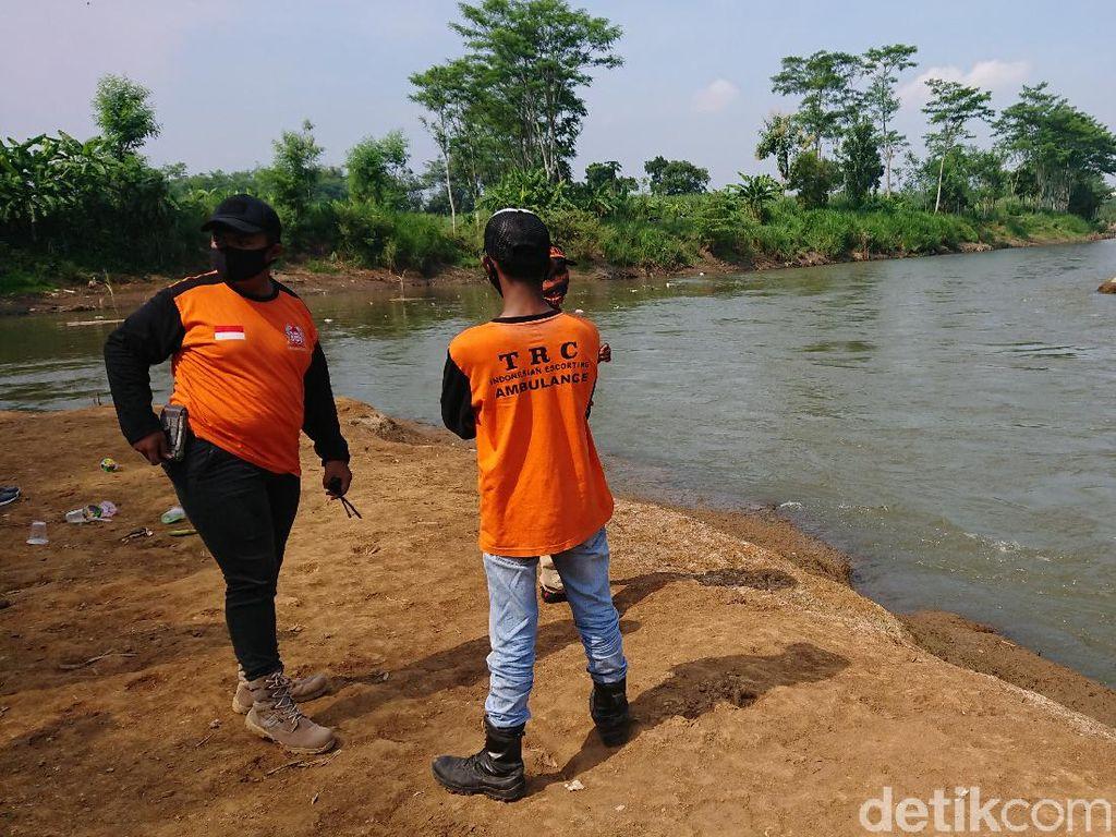 Cari Pelajar Tenggelam di Tulungagung, Sungai Brantas 10 Kilometer Disusuri