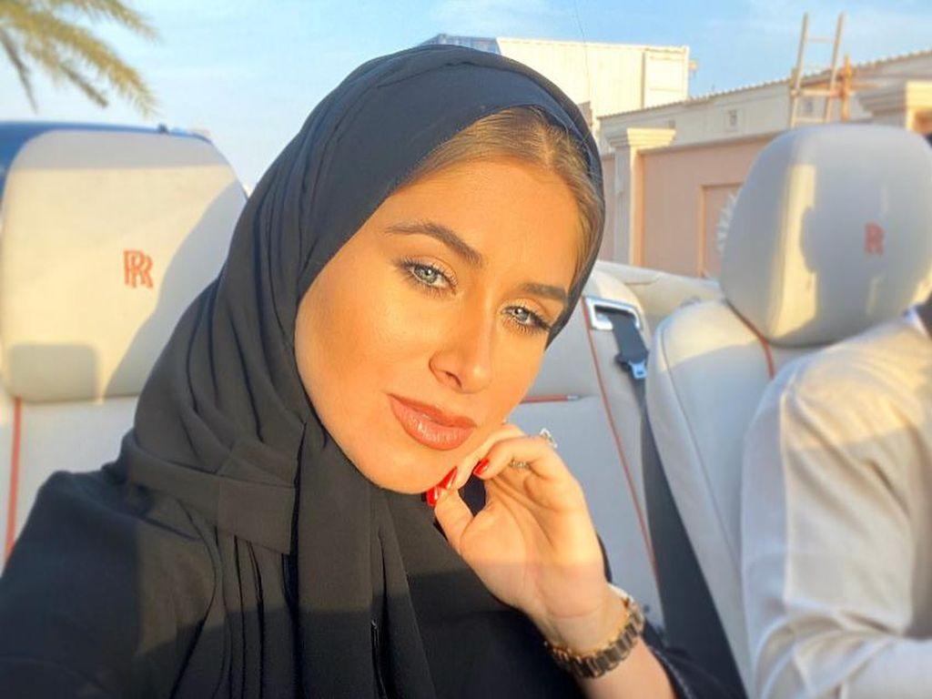 Ini Istri Cantik Pesepakbola Paul Pogba yang Mencuri Atensi Saat Pakai Hijab
