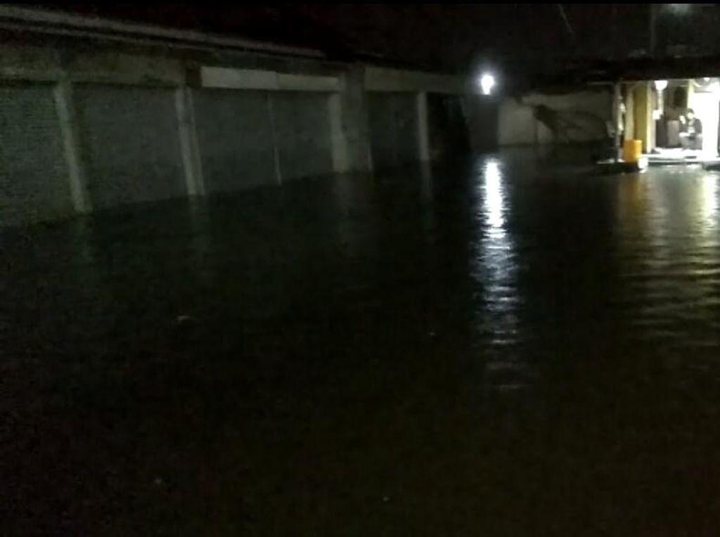 Tanggul Sungai Jebol, 300 Rumah di Bandung Barat Sempat Terendam Banjir