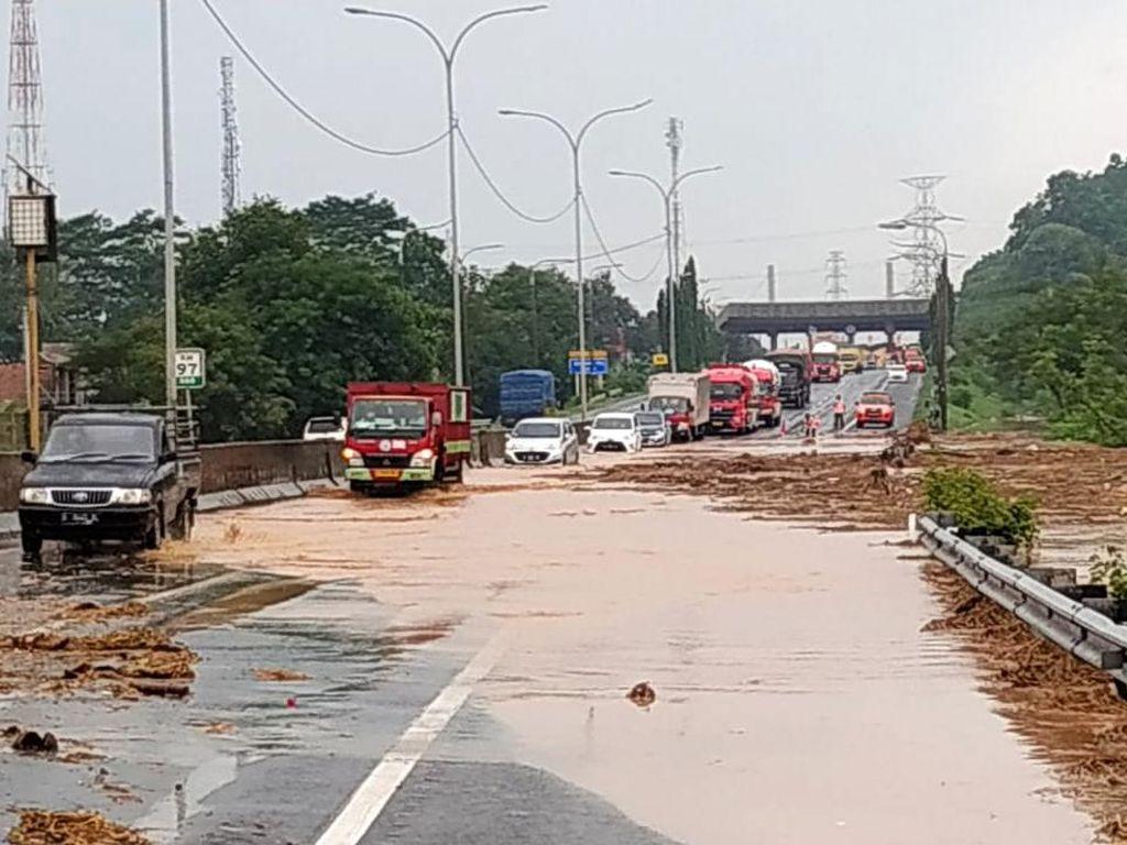 Banjir Surut, Gerbang Tol Cilegon Barat Kembali Dibuka