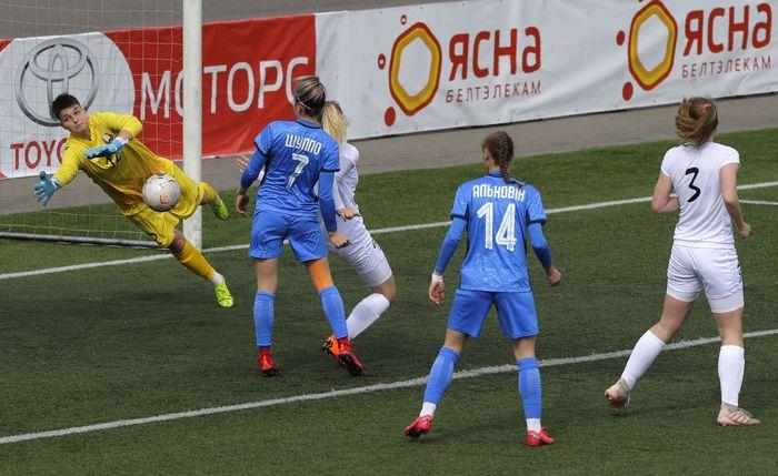 Liga Belarusia menjadi satu-satunya kompetisi sepak bola profesional yang masih bergulir sejak Maret lalu, bagaimana bisa?