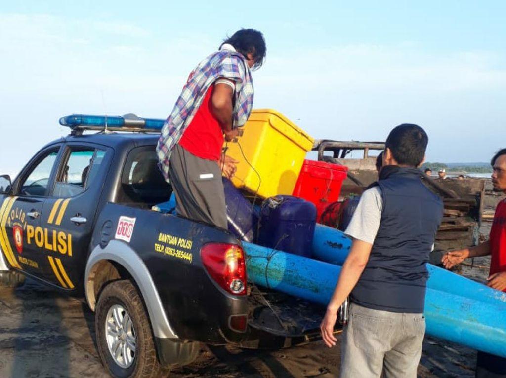 Kapal Nelayan Sukabumi Dihempas Ombak di Cianjur, Satu Orang Hilang