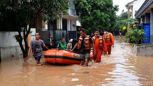 Ratusan Rumah di Cilegon Diterjang Banjir, Warga Dievakuasi