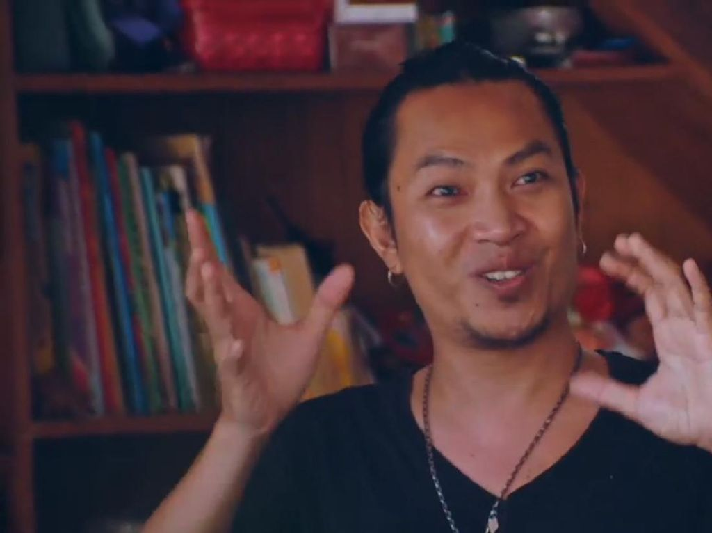Selain Musik, Robi Navicula Mau Buat Film Dokumenter Pulau Plastik