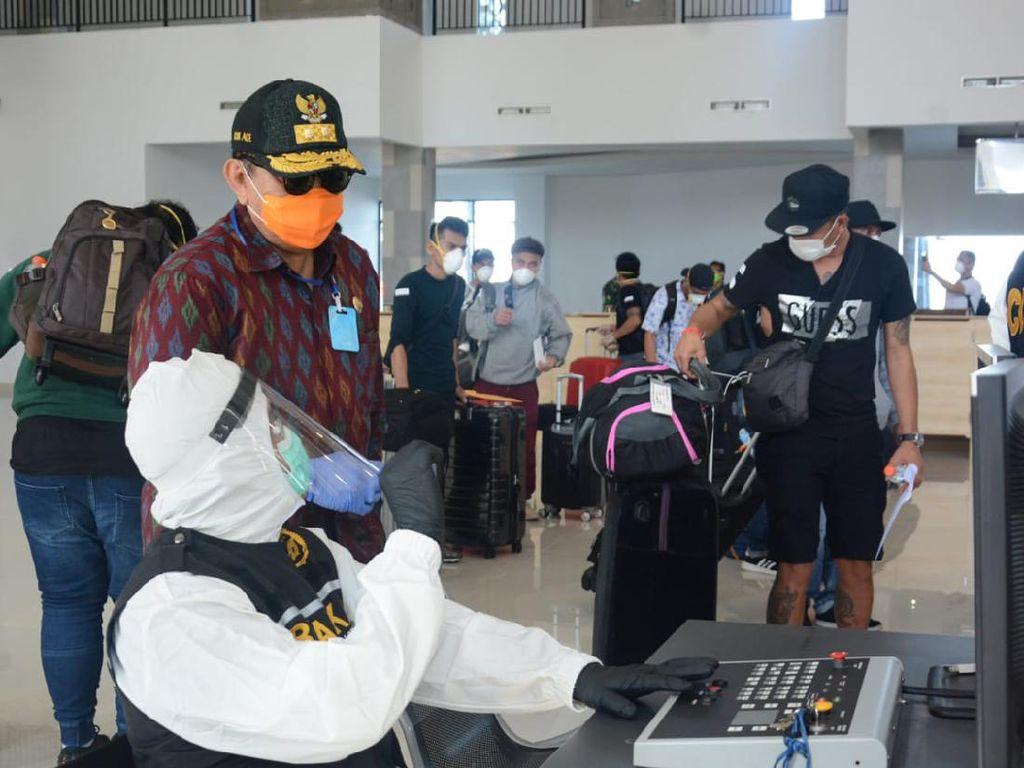 Tiba di Pelabuhan Benoa Bali, 159 TKI Langsung Jalani Tes Swab Corona