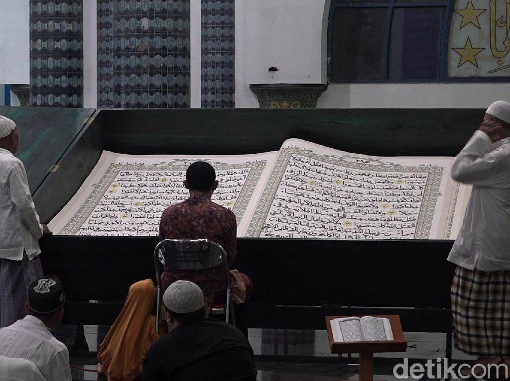 Di Tengah Pandemi, Tadarus Al-Quran Raksasa di Banyuwangi Tetap Digelar