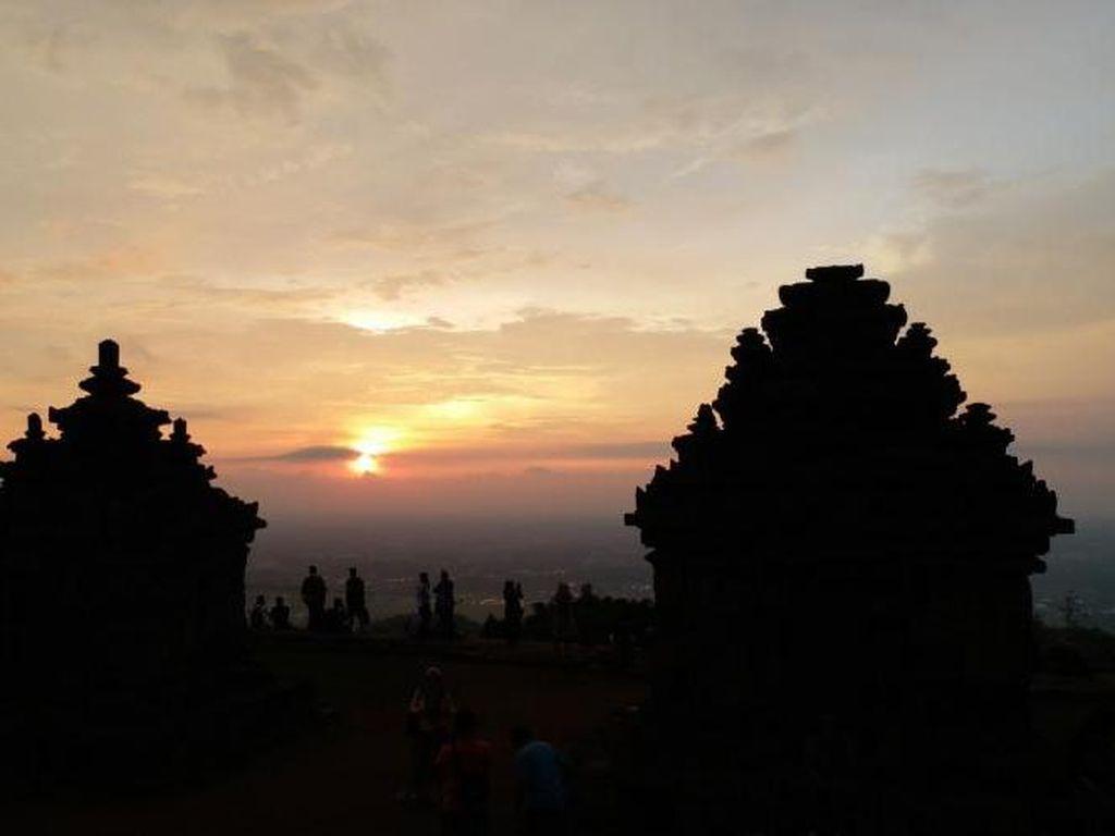 Indahnya Sunset di Candi Ijo