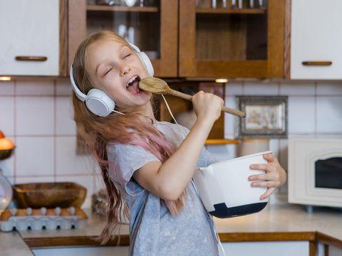 Ilustrasi anak masak