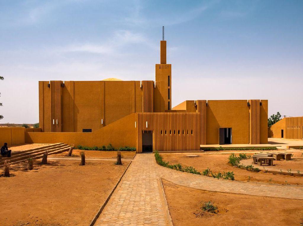 Melihat Lebih Dekat Masjid Unik di Republik Niger