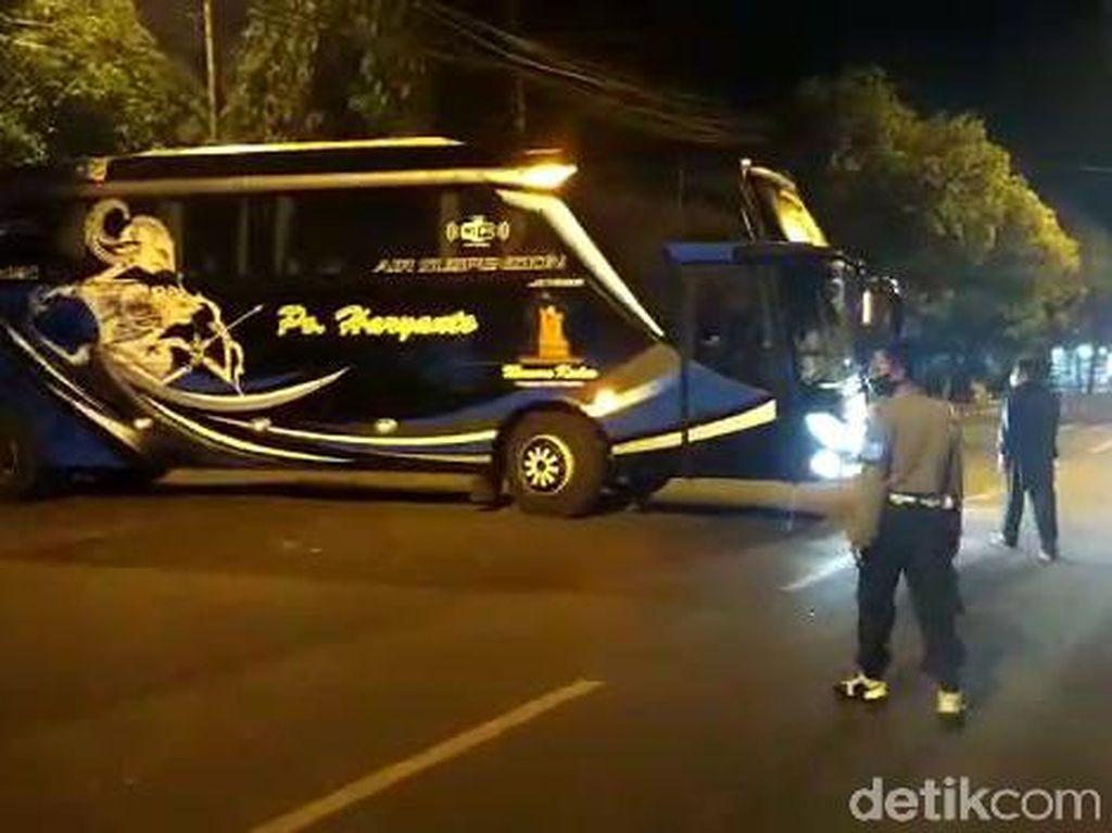 4 Bus Angkut 125 Pemudik dari Jakarta Dihalau Masuk Jatim