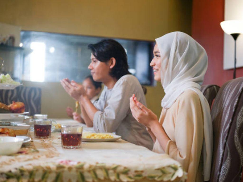 Hindari 5 Makanan Ini Saat Sahur Agar Ibadah Puasa Lancar